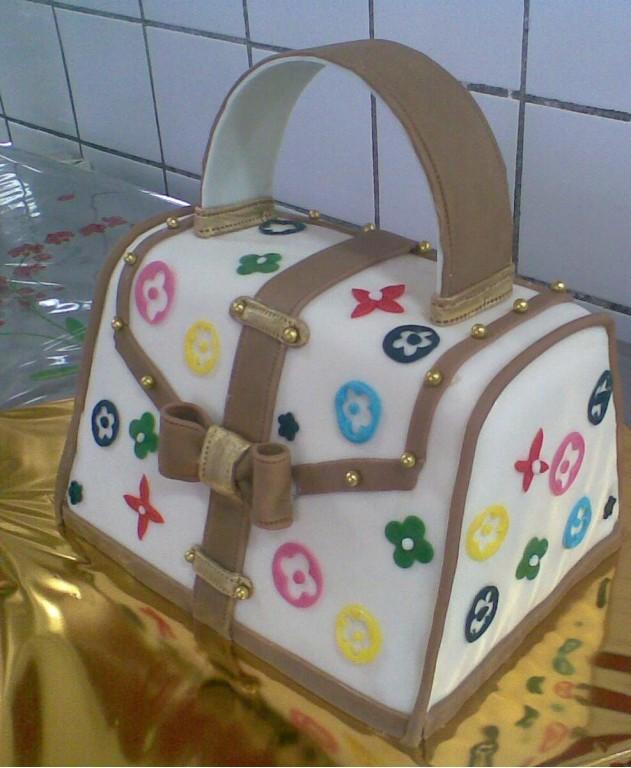 торт-сумка.